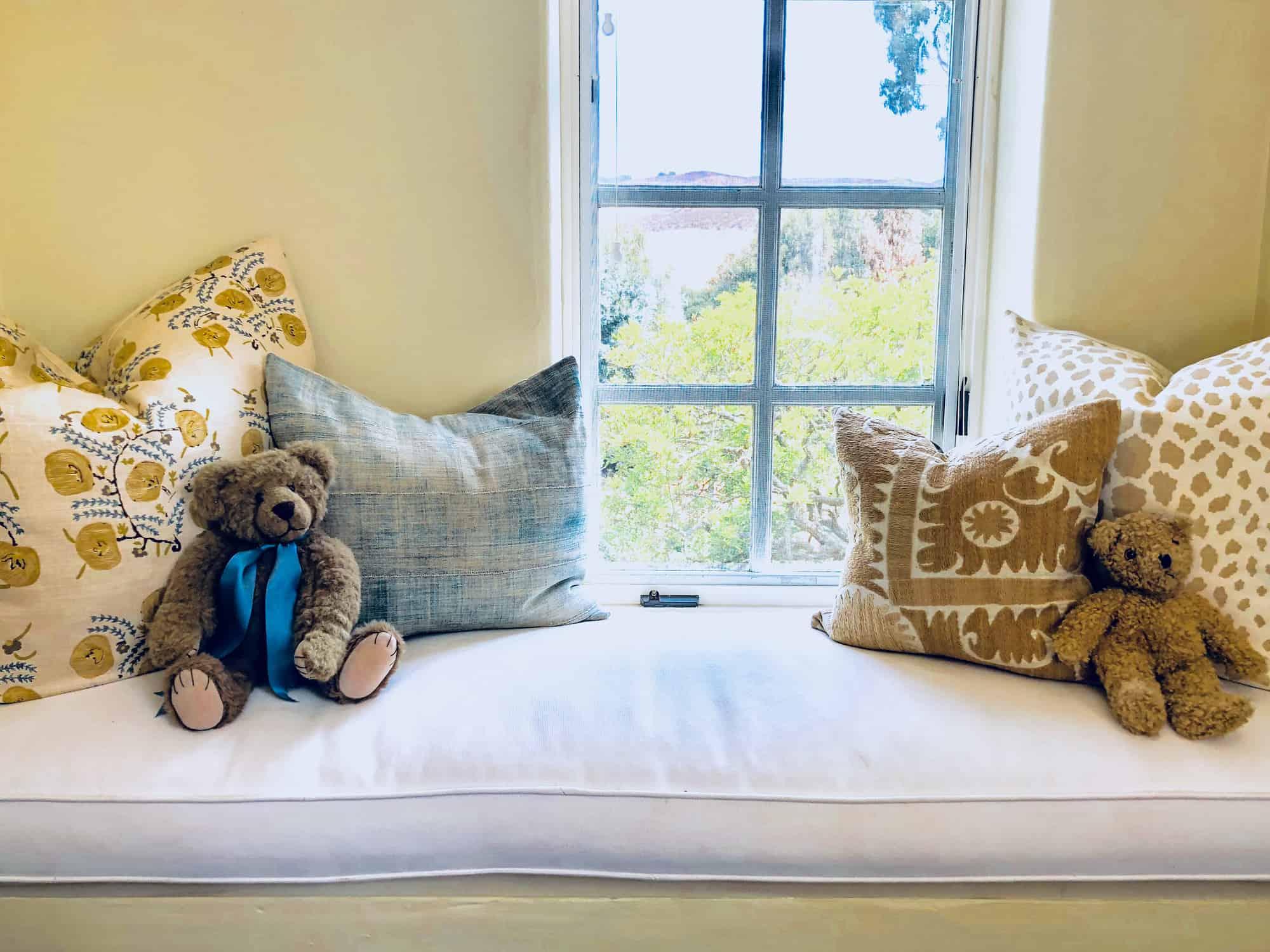 windowseat with bears