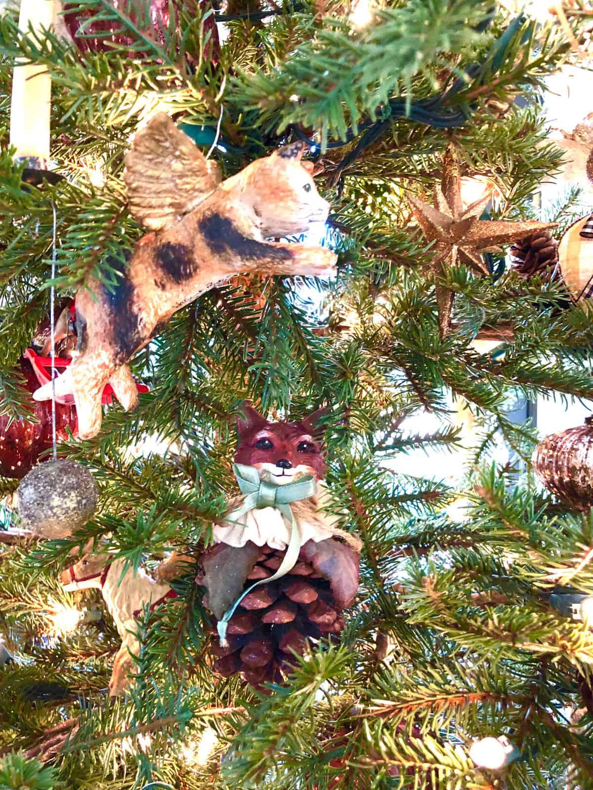 walnut ridge cat christmas ornament