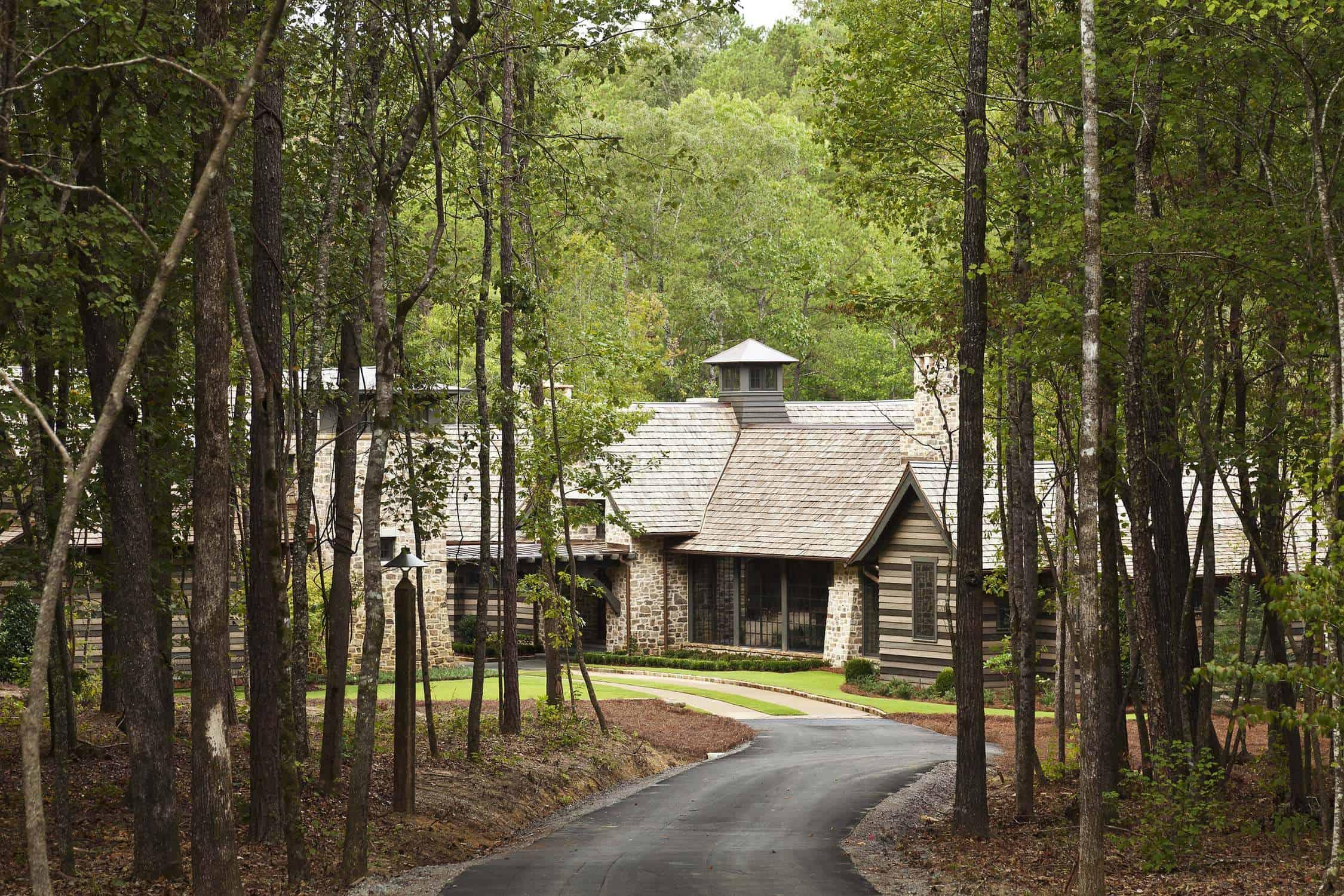 creekside farm house
