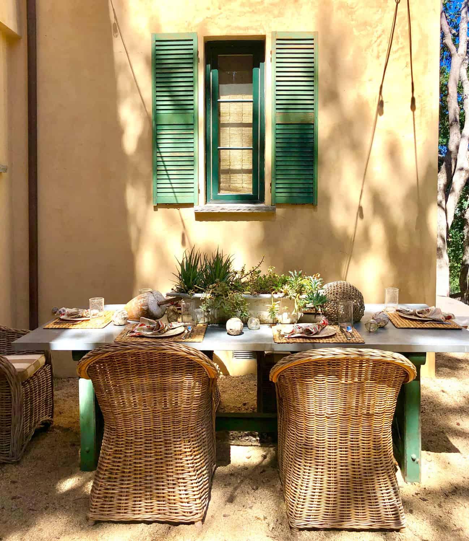 lake house patio table