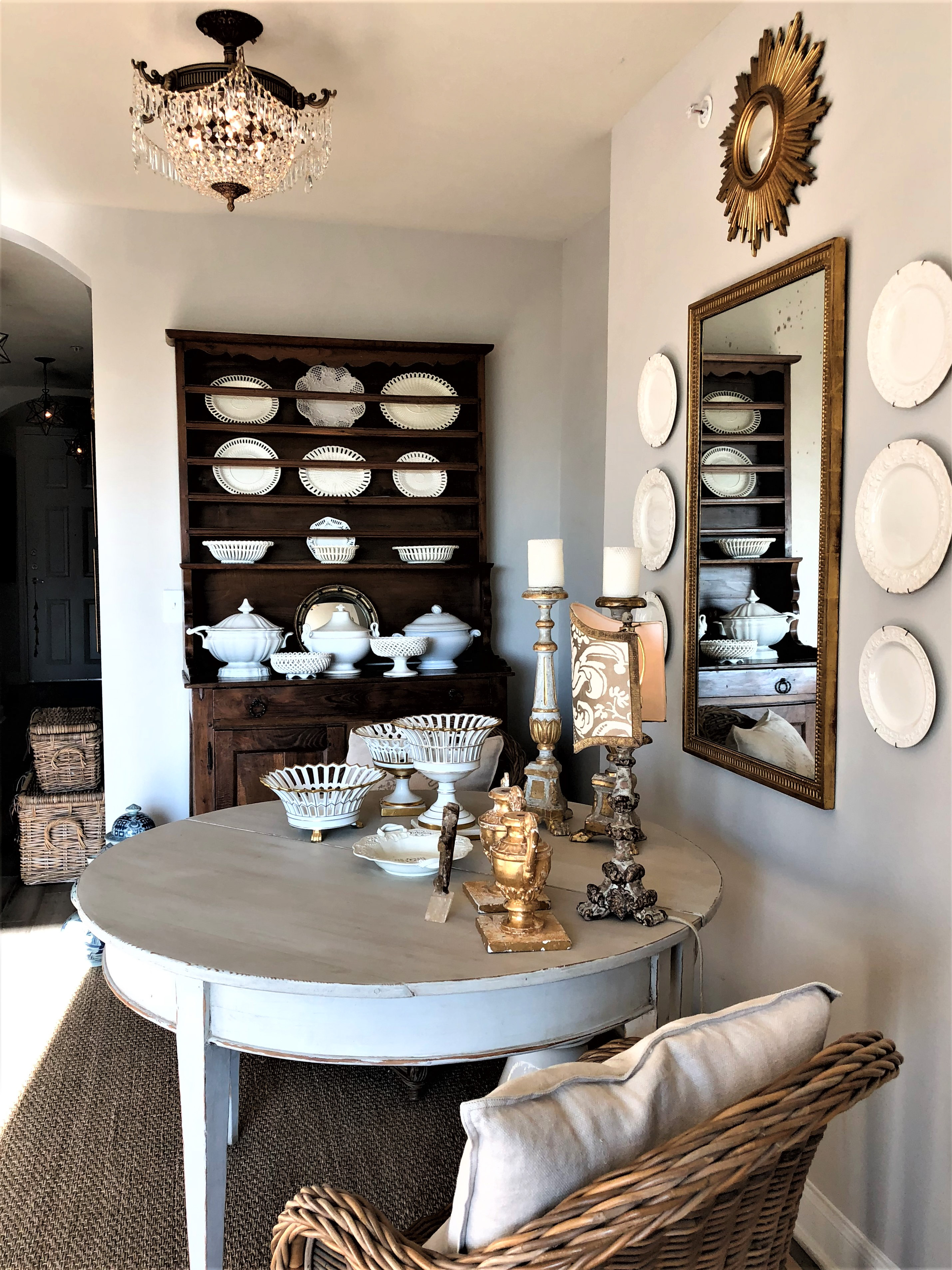 the collected look in joni webbs apartment