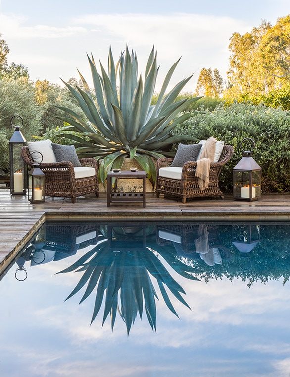 scott schrader pool sitting area
