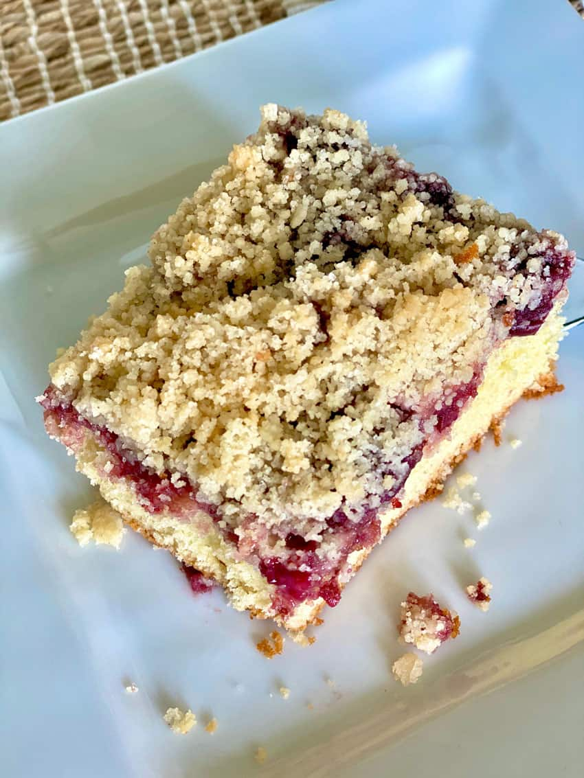 dark cherry streusel cake