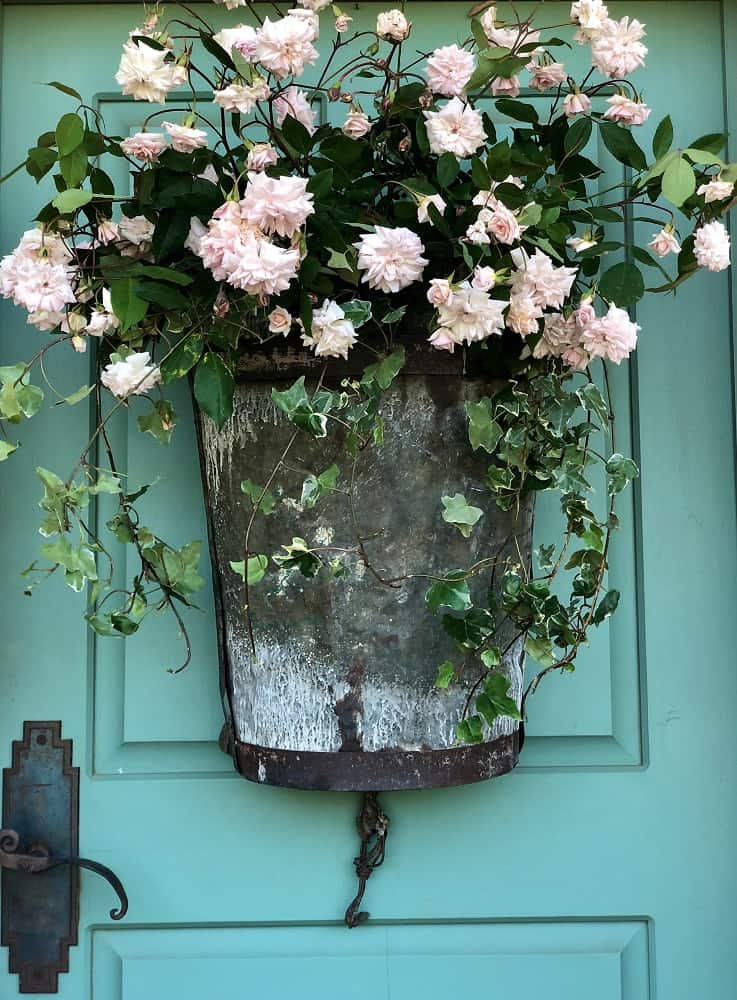 How to Achieve the Collected Look on your Porch or Patio
