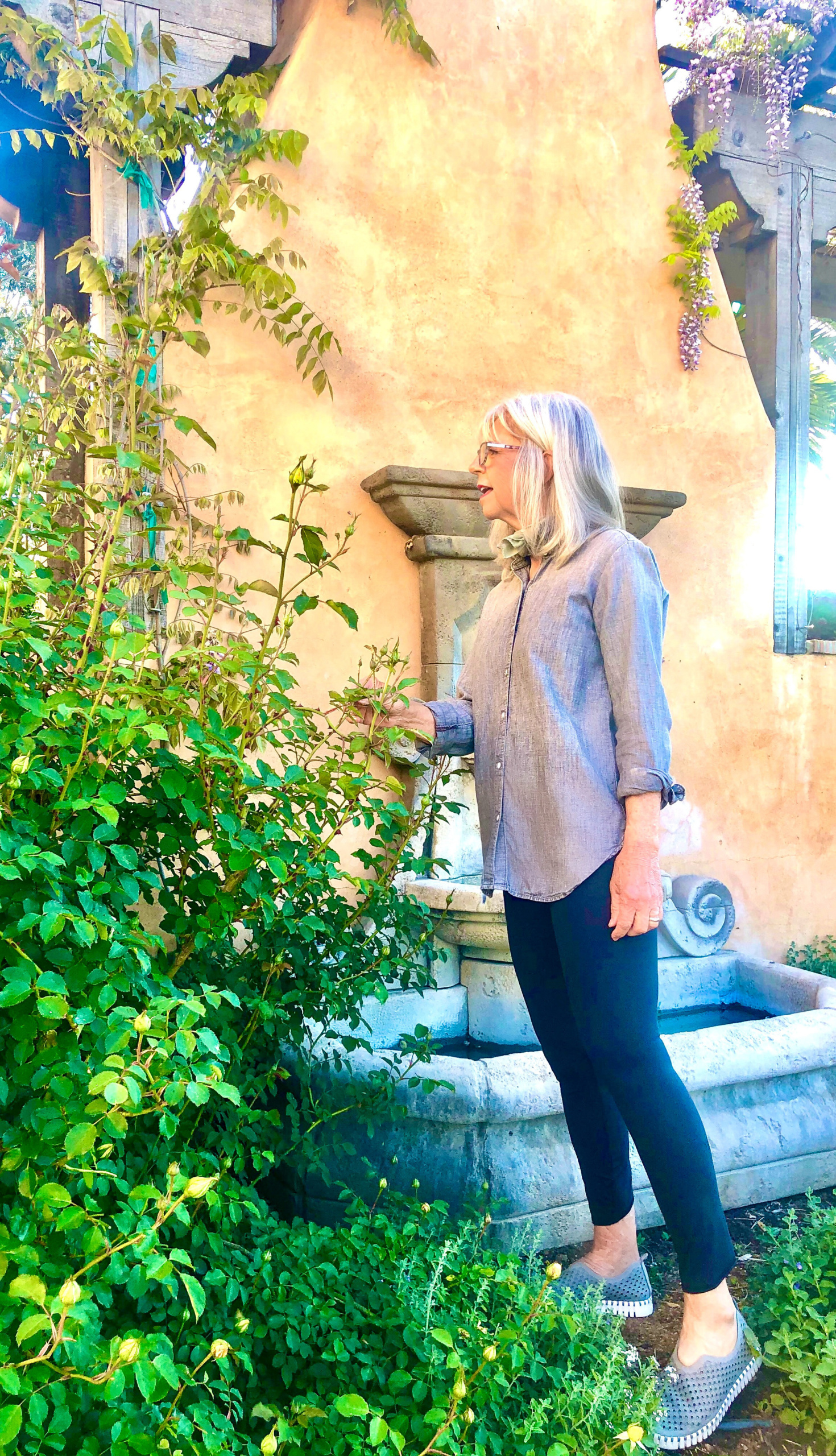 cindy hattersley in her garden