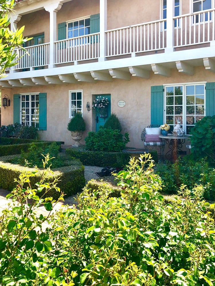 cindy hattersley's front porch & garden