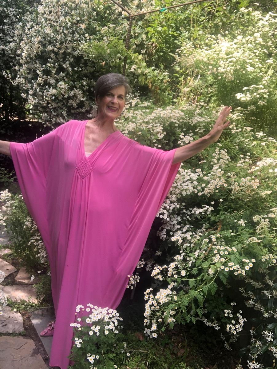 the contessa in pink caftan