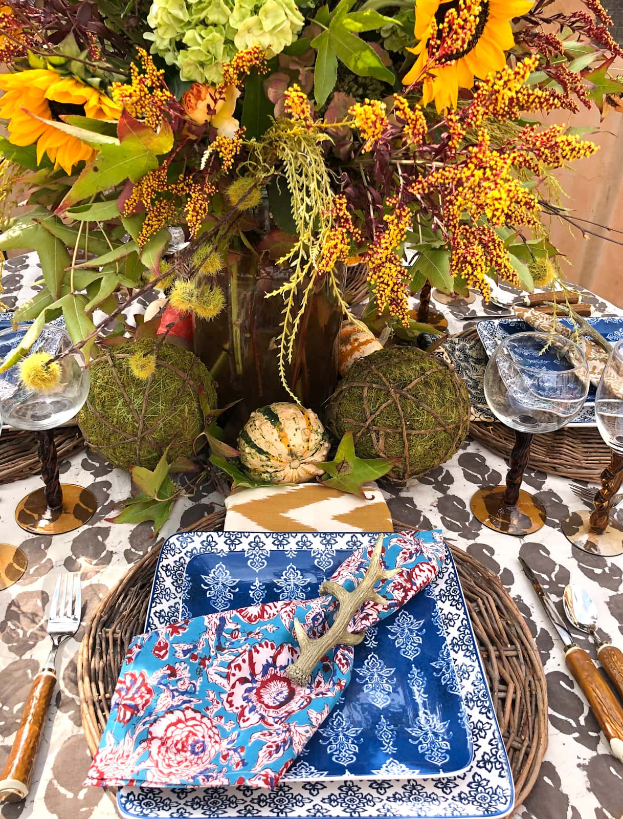 cindy hattersley fall tablescape with blue and red napkins