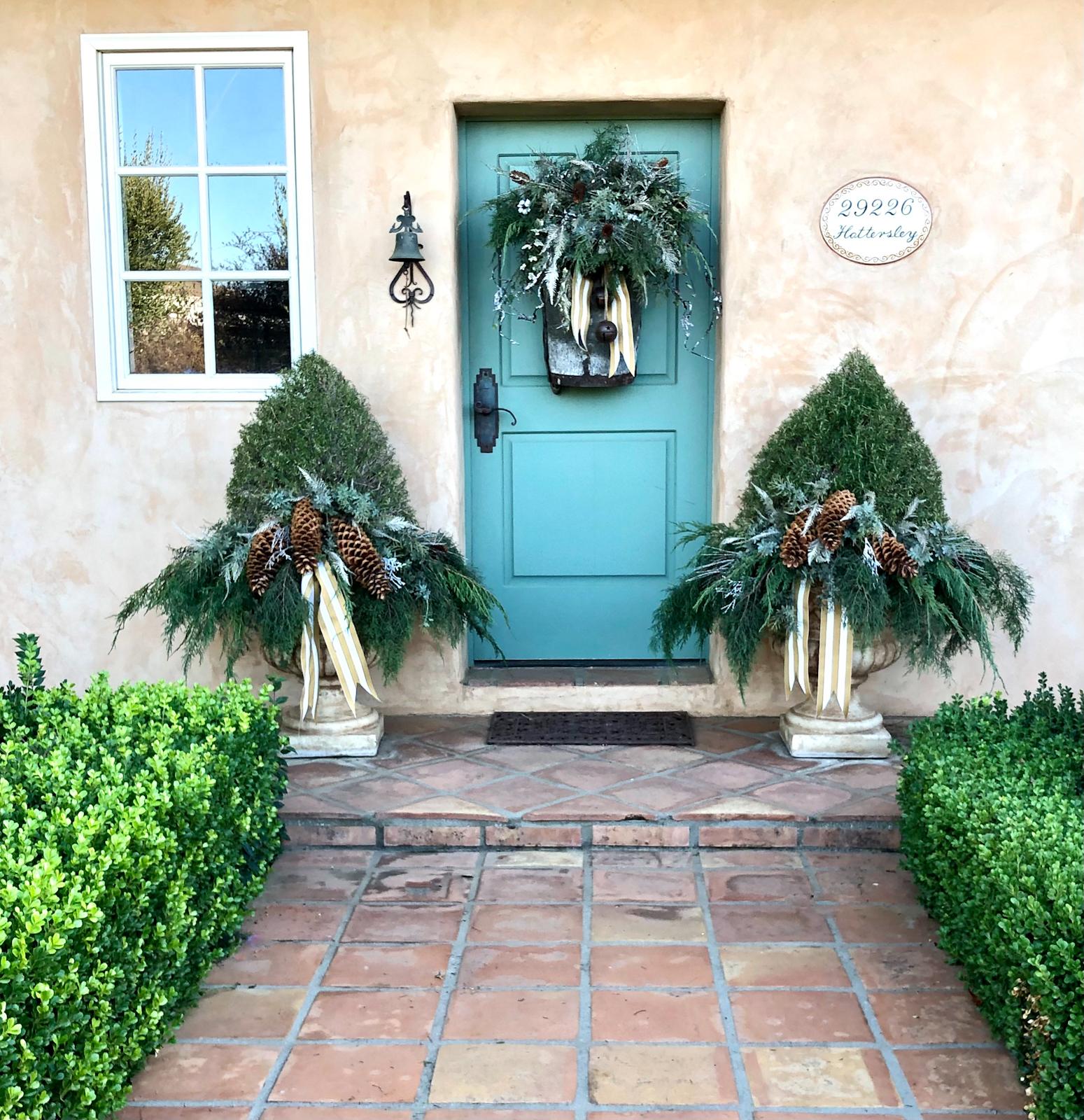 cindy hattersley's front door decor christmas 2020