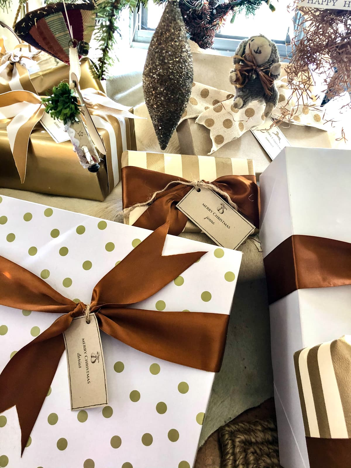 CINDY HATTERSLEY CHRISTMAS PACKAGES