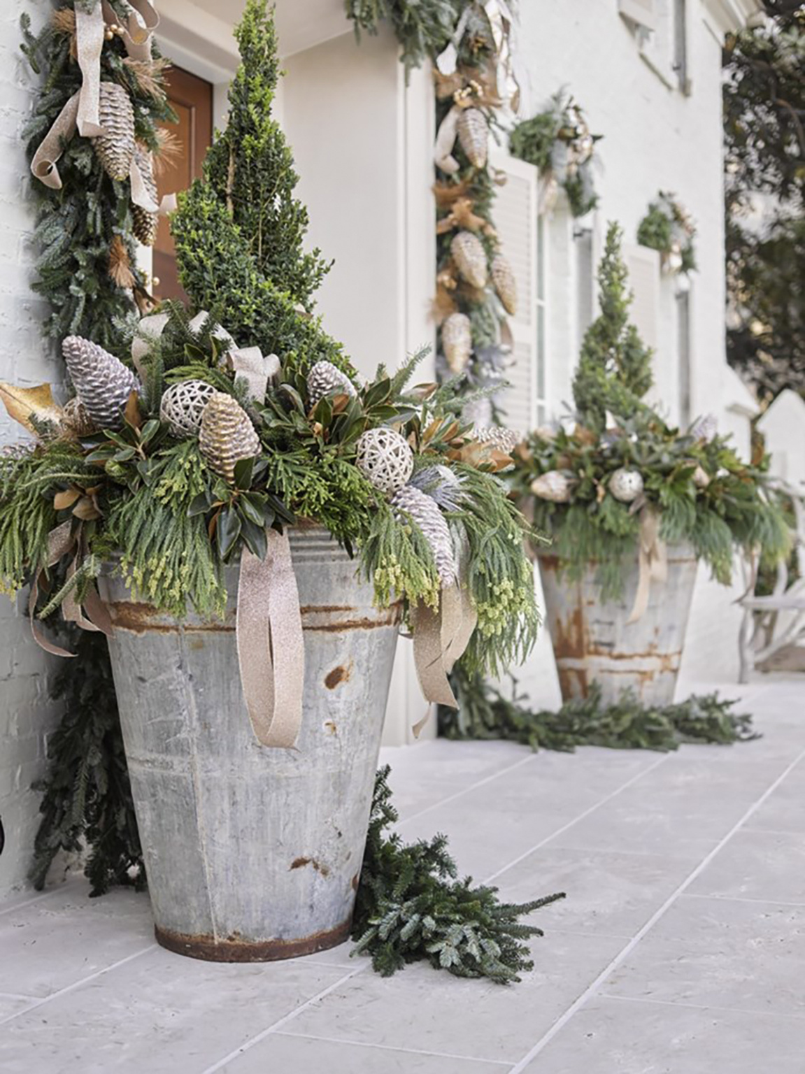 atlanta homes and lifestyles holiday house planters on Cindy Hattersley's blog