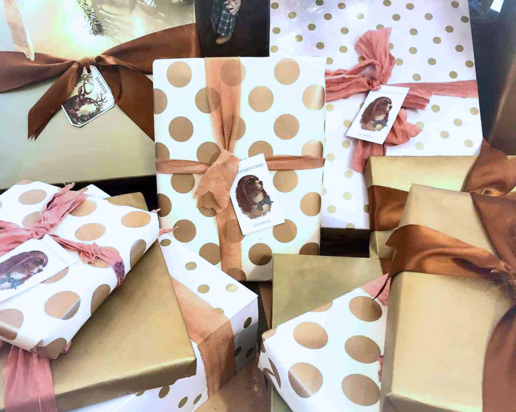 christmas-wrap-cindy-hattersley 2019