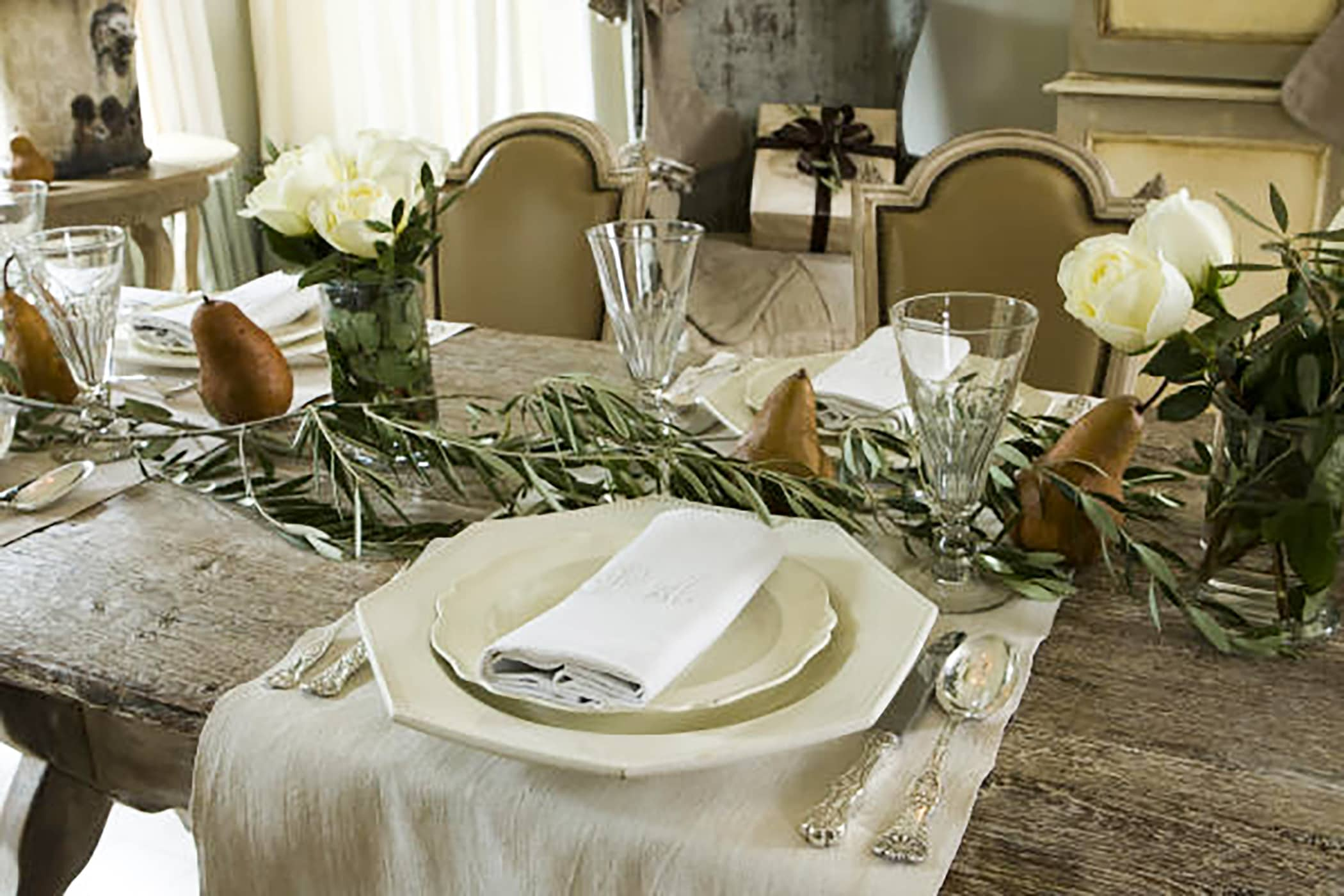 pam pierce christmas tablescape on cindy hattersley's blog