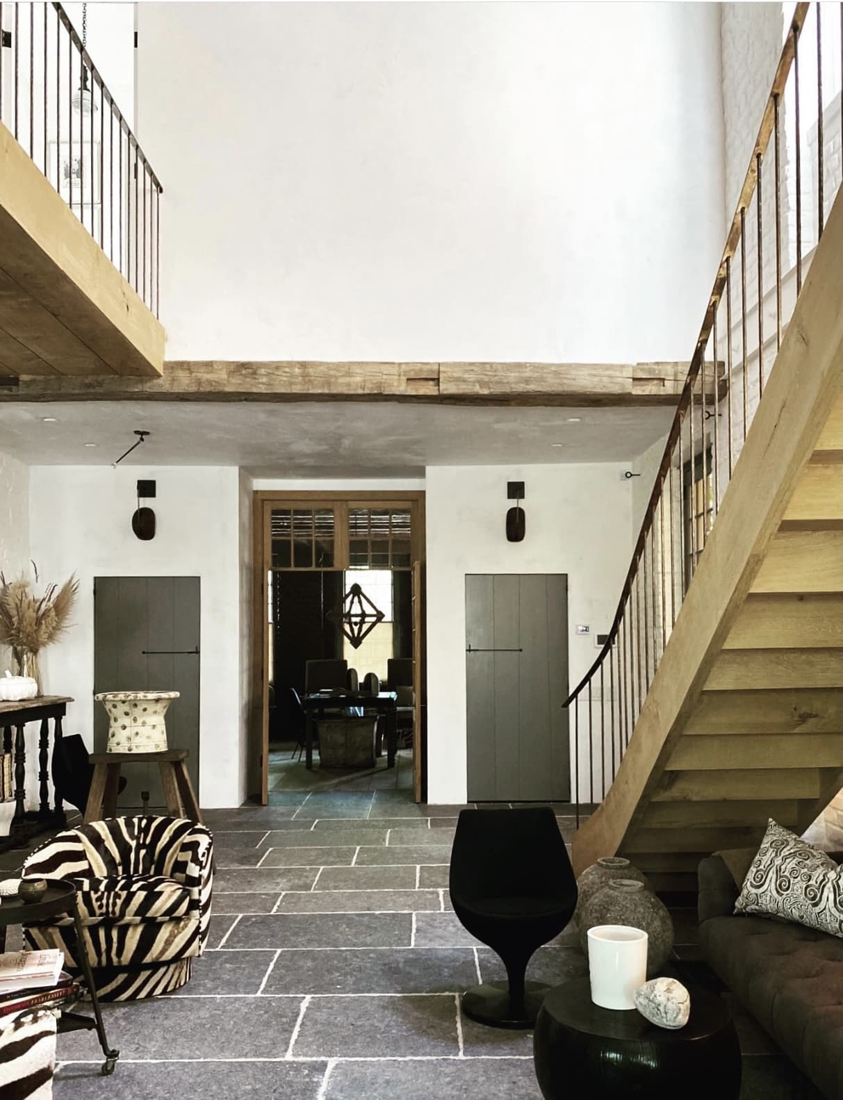 Jill Sharp Weeks Charleston Home on Instagram via Cindy Hattersley's blog