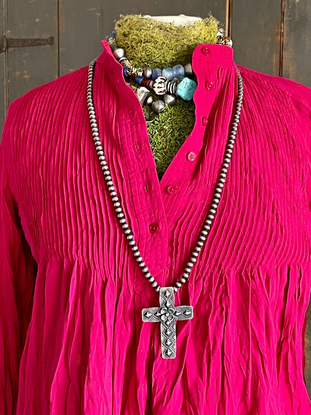 Sundance Mystic Falls Top with chunky necklace and navajo pearls