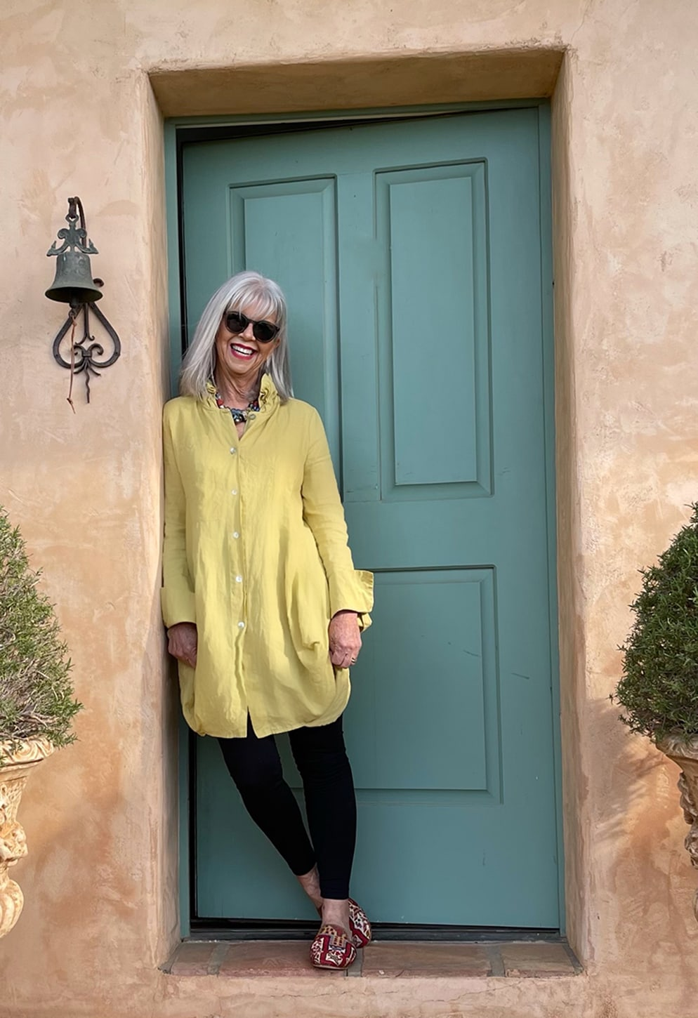 CINDY HATTERSLEY IN COMFY USA & ARTEMIS MULES