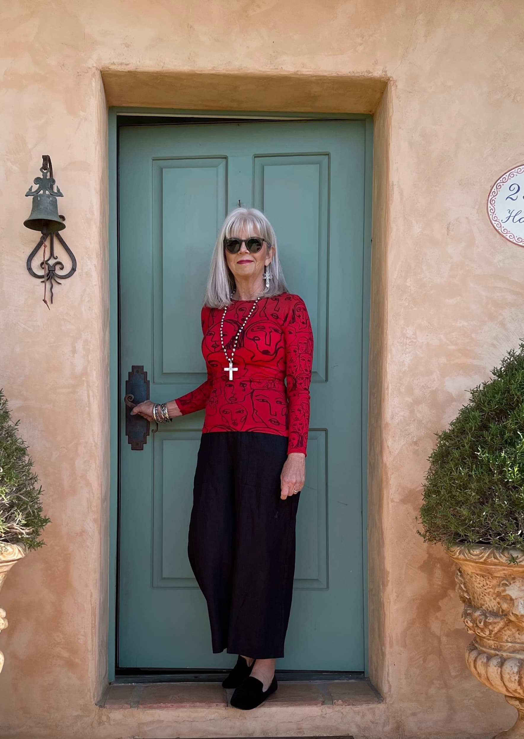 Cindy Hattersley in AM Designs shirt and Three Dots Linen Cropped Pants