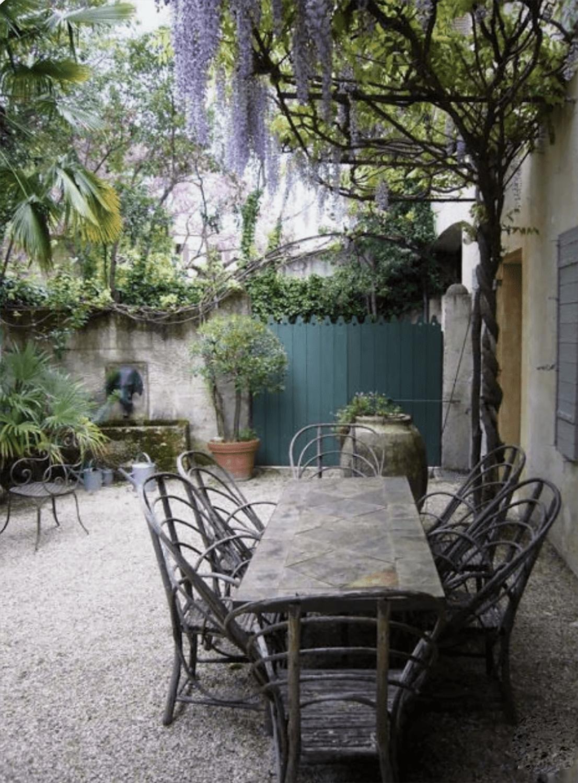 Courtyard via Bigodino IT