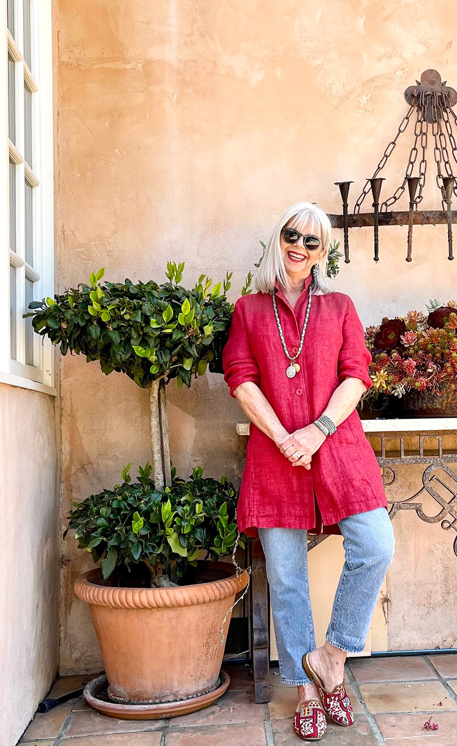 cindy hattersley in Eileen Fisher and J Crew boyfriend jeans and Artemis Mules
