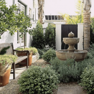 courtyard garden from House Beautiful