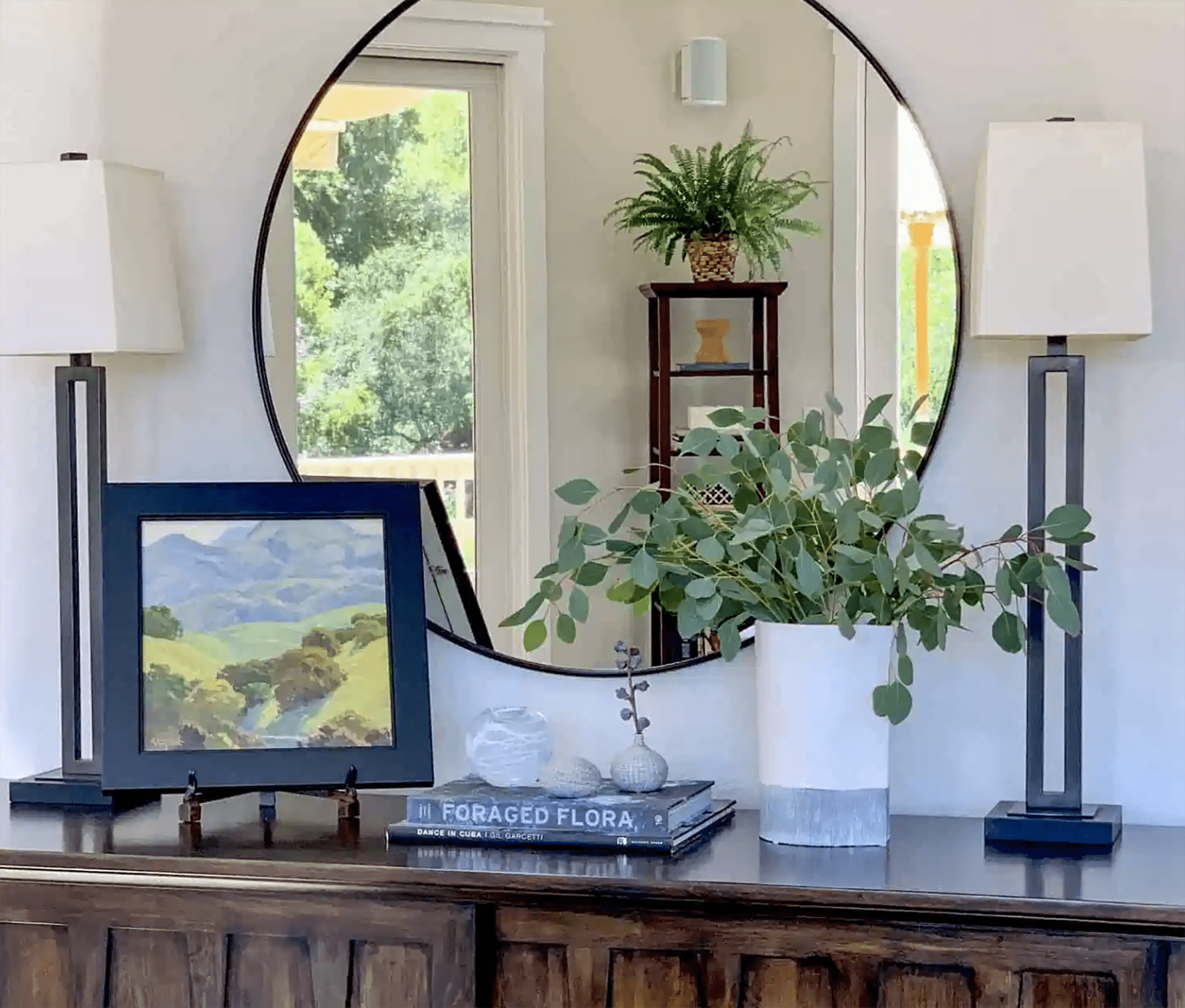 classic casual home console and mirror