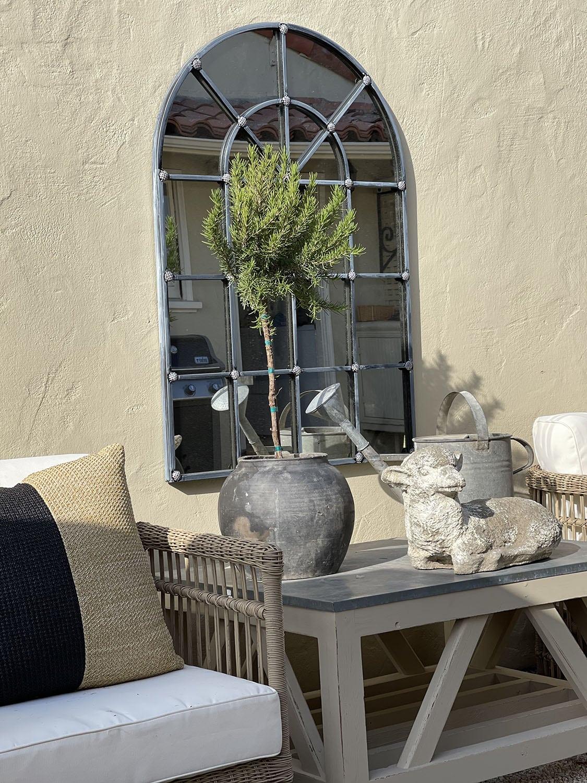 cindy hattersley backyard table vignette