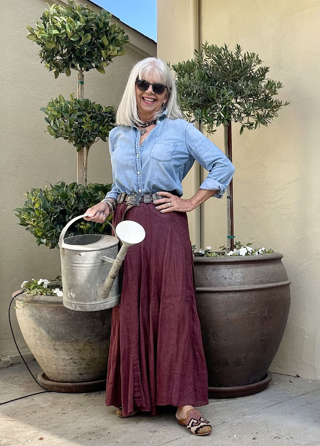 cindy hattersley in j crew denim shirt and cp shades lily skirt