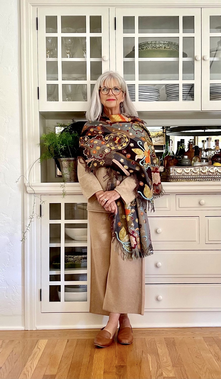CINDY HATTERSLEY IN ALL CAMEL AND SUNDANCE SCARF