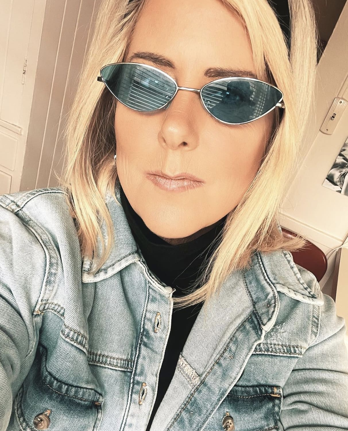 Kelly in sunglasses