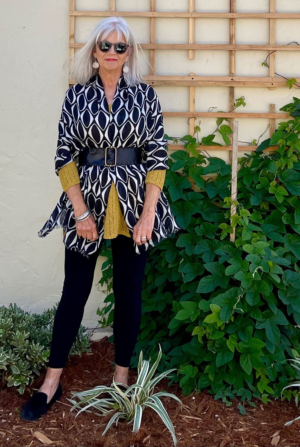 cindy hattersley in belted scarf