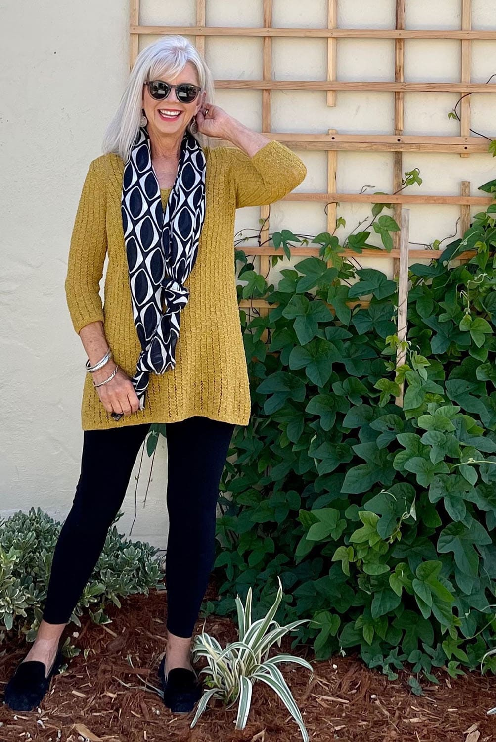 cindy hattersley in knotted scarf