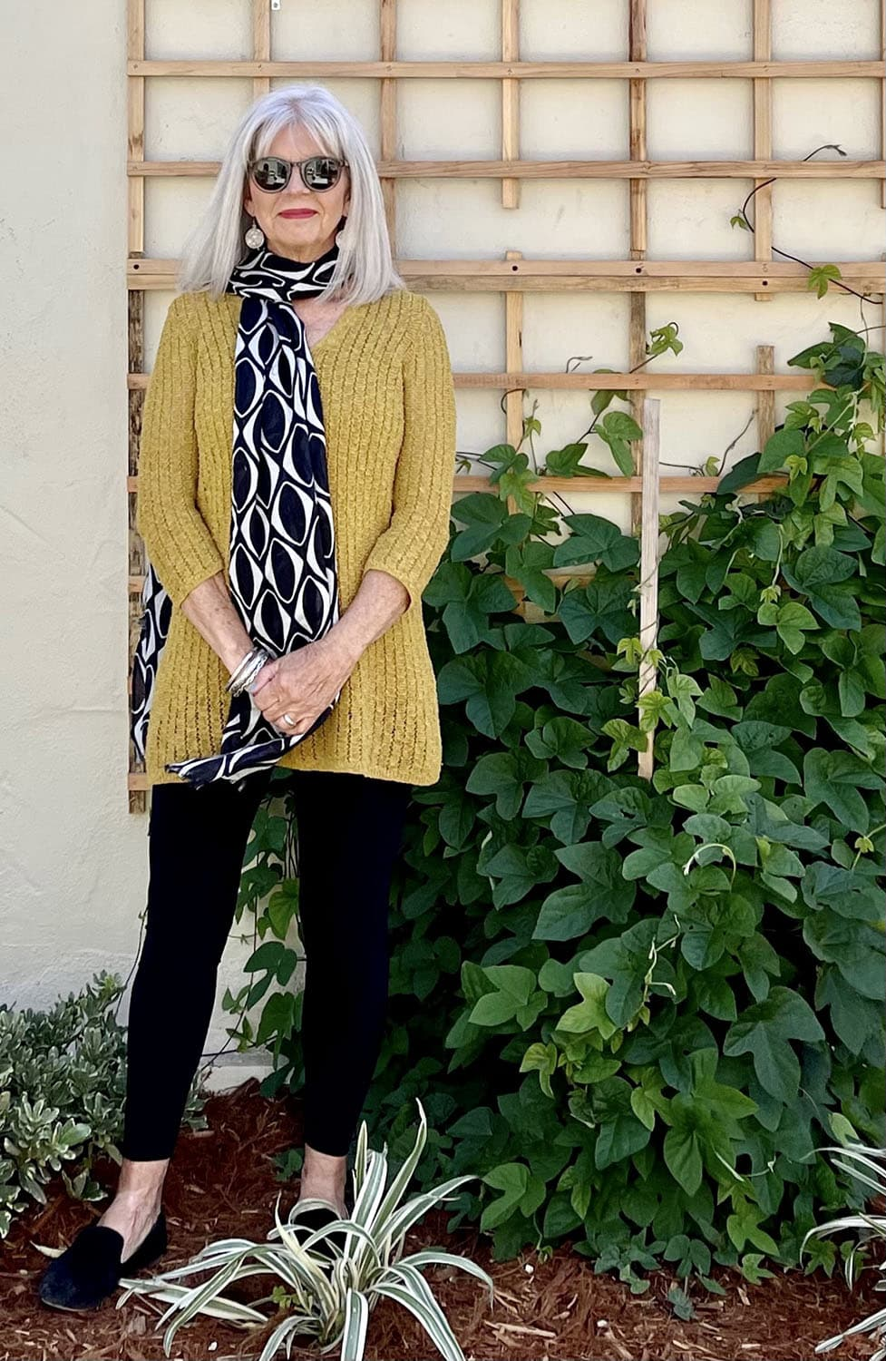 cindy hattersley in long scarf OVER THE SHOULDER