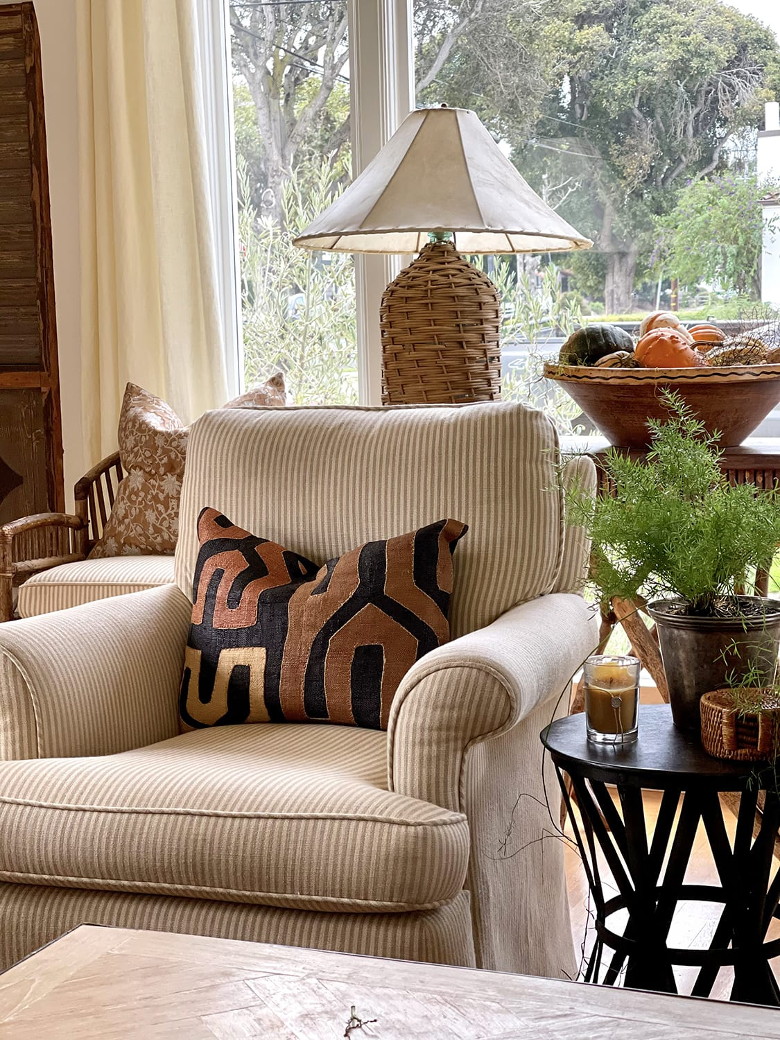 cindy hattersley's fall living room refresh