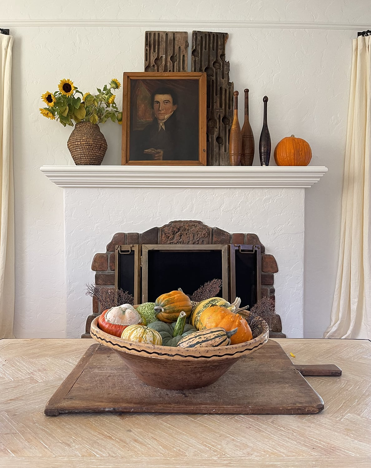 cindy hattersley's fall mantle with pumpkins